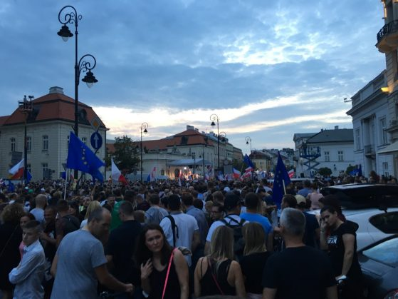 Peaceful protests in Warsaw on July 24, 2017 - image 1